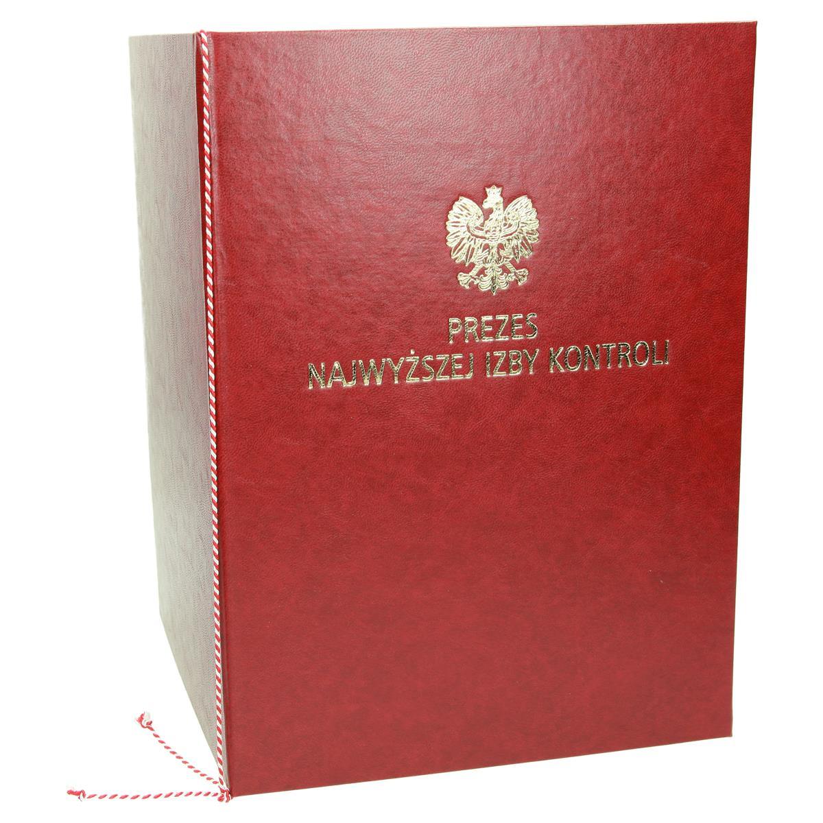 Oprawa na dyplom ze sznurkiem biało-czerwonym 0943